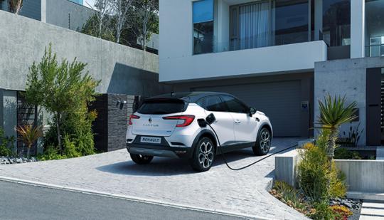 Renault---CAPTUR-Plug-in-Hybrid---Lifestyle-3-400